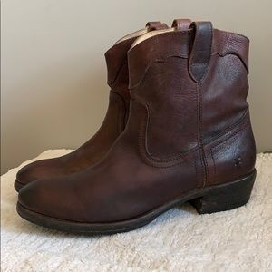 Frye Brown Leather Short Pull on Roper Boot 10
